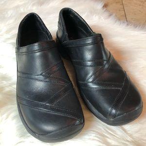 Merrell Ortholife Black Leather Slip Ons 9